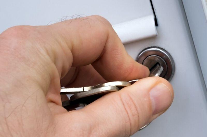 החלפת מנעול תיבת דואר גבי המנעולן מנעולן בנתניה