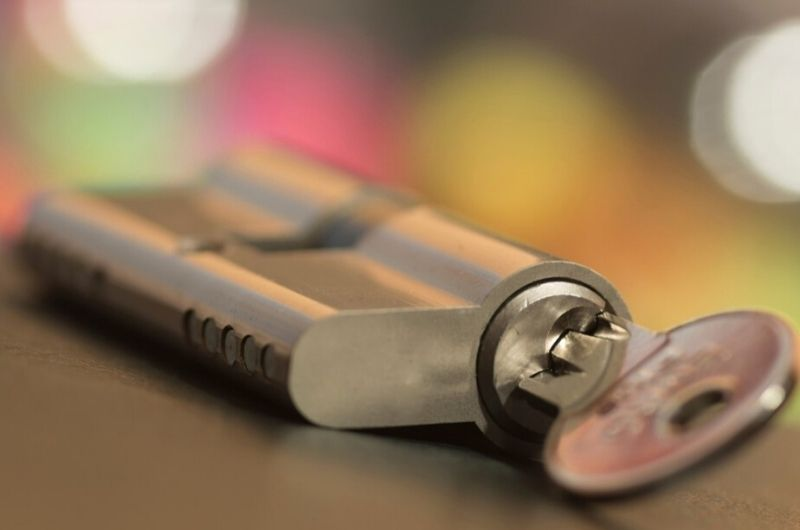 החלפת צילינדר מולטילוק גבי המנעולן מנעולן בנתניה