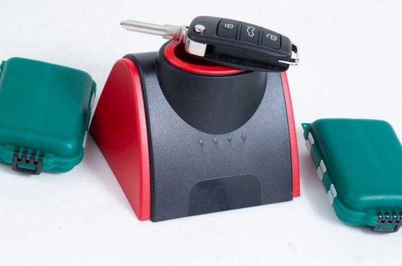 שחזור מפתחות לרכב בנתניה גבי המנעולן מנעולן בנתניה