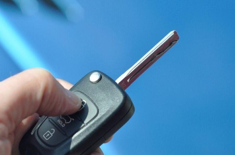שלט לרכב לא עובד גבי המנעולן מנעולן בנתניה