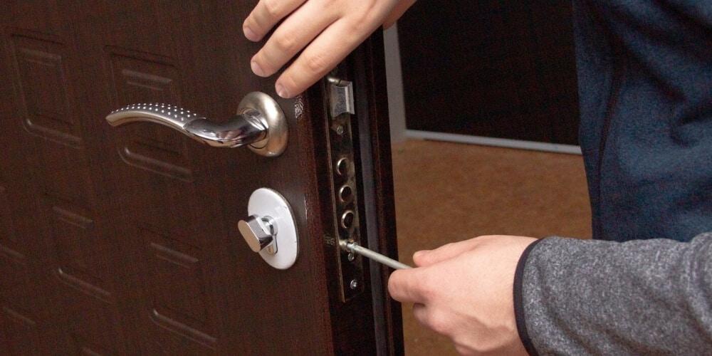החלפת מנעול לדלת גבי המנעולן מנעולן בנתניה