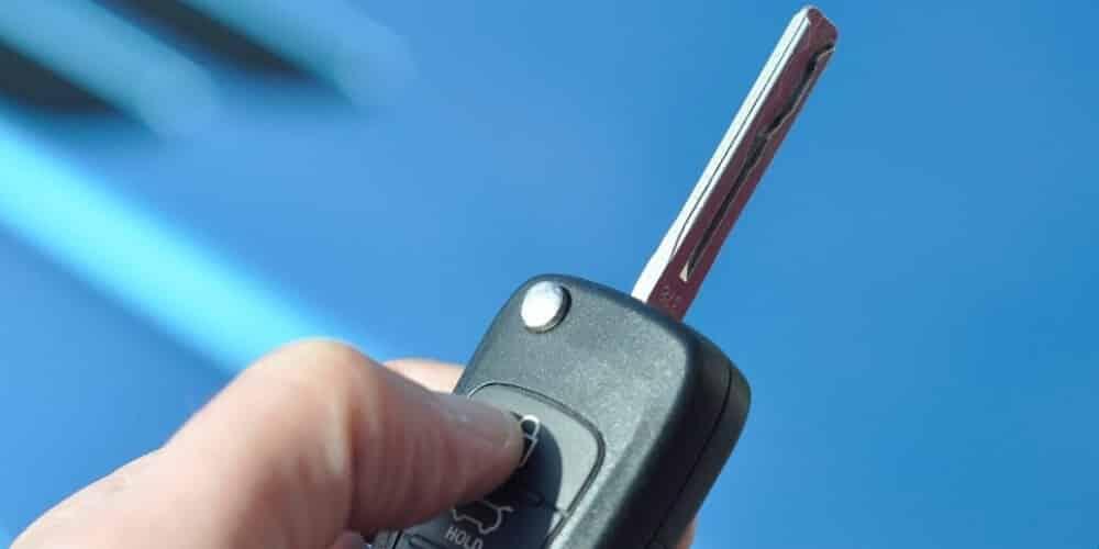 החלפת מנעול לרכב גבי המנעולן מנעולן בנתניה